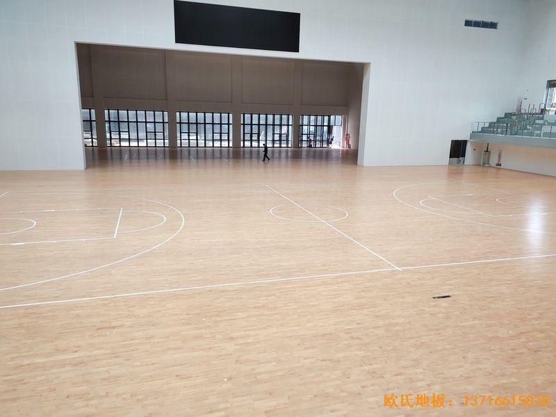 四川达州文理学院体育木地板安装案例