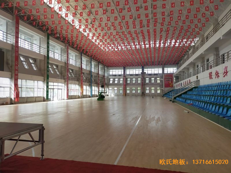 鄂尔多斯准格尔旗世纪中学体育地板安装案例