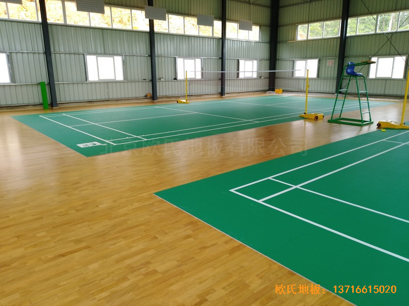 巴布亚新几内亚羽毛球馆运动地板铺设案例5