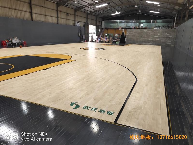 泉州侨乡壹吨篮球场体育木地板铺装案例2