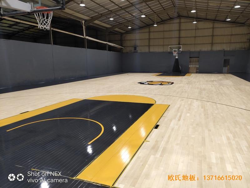 泉州侨乡壹吨篮球场体育木地板铺装案例4