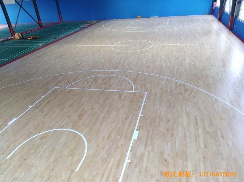 江苏江阴市榜样体育俱乐部体育木地板施工案例