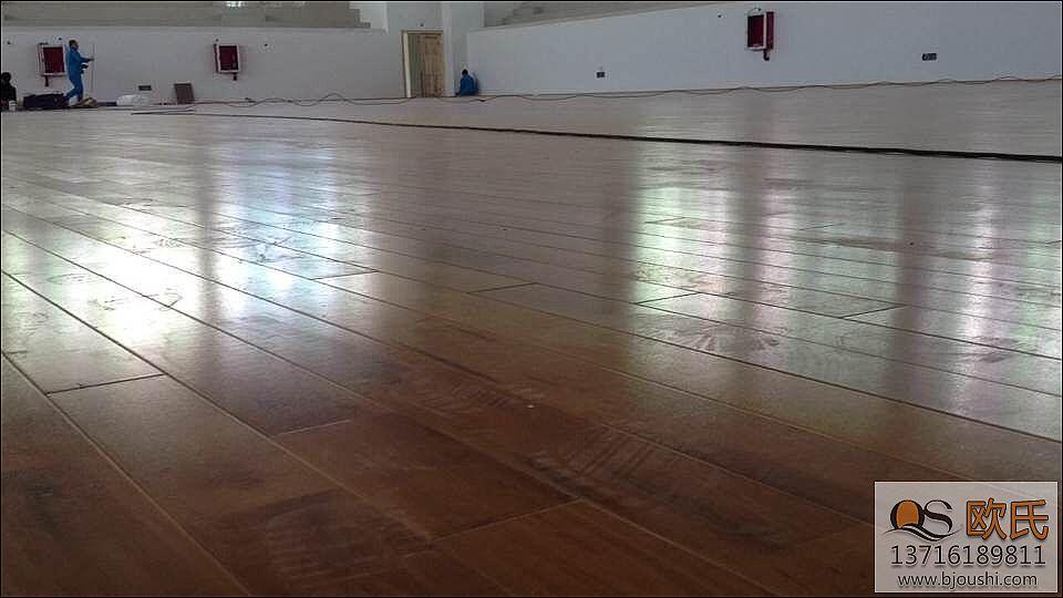 枫木 更好的体育羽毛球运动木地板的原料