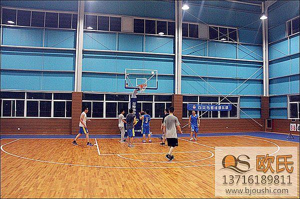 篮球木地板的毛板安装工艺