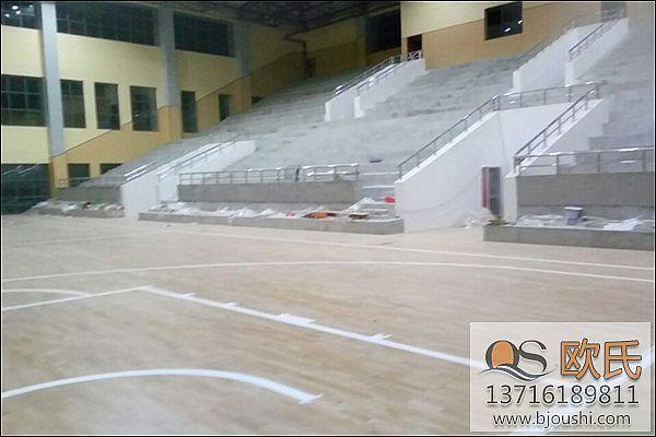良好的篮球馆实木地板体现了对生活品质的孜孜追求!